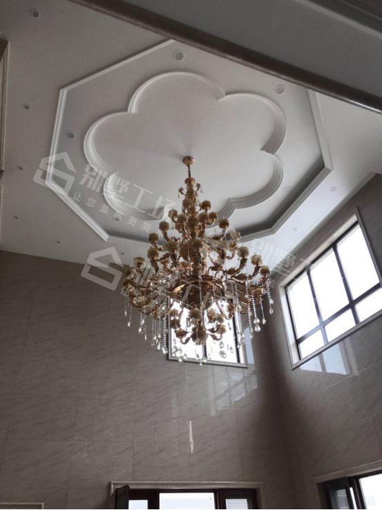 两层别墅室内吊灯