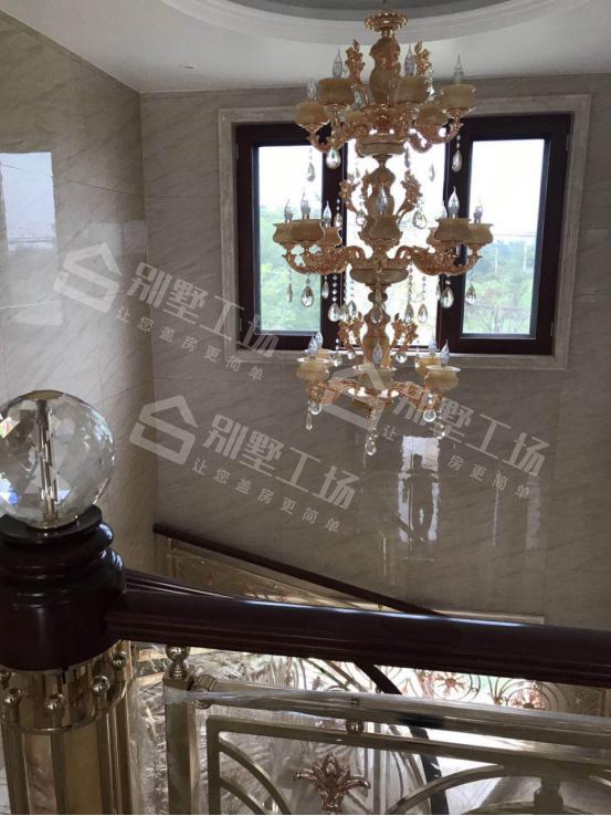 两层别墅室内创意装修吊灯