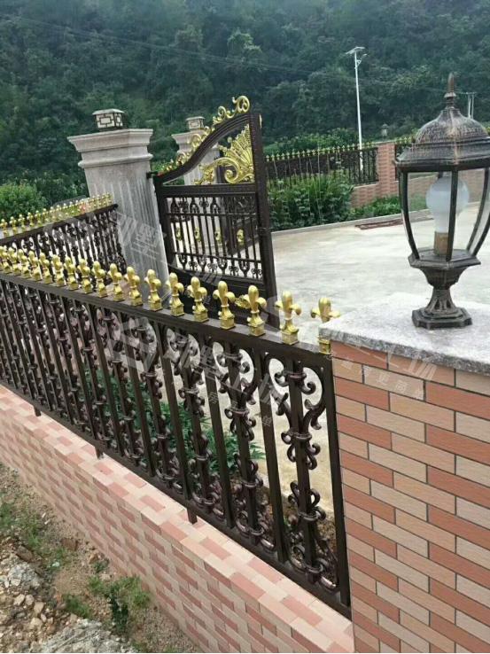 农村房屋大门围栏