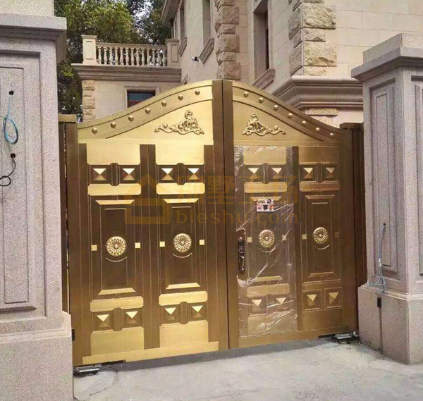 黄金铜门现场照片