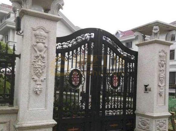精致雕花庭院大门柱子图片