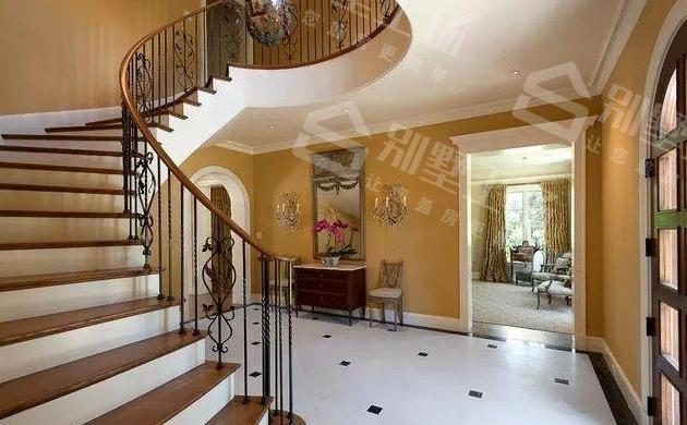 旋转楼梯怎么做
