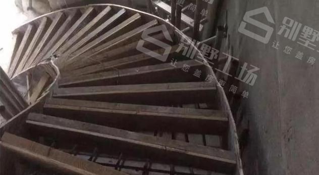 旋转楼梯怎么做2